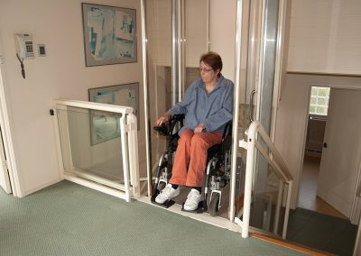 walk-through-wheel-chair-lift-at-the-top