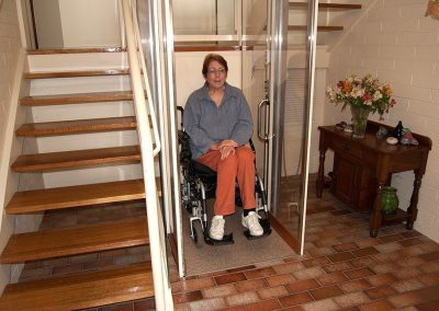 walk-through-wheel-chair-lift-downstairs